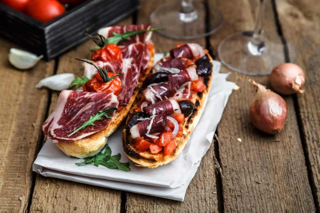 Bruchetta italiana tradicional