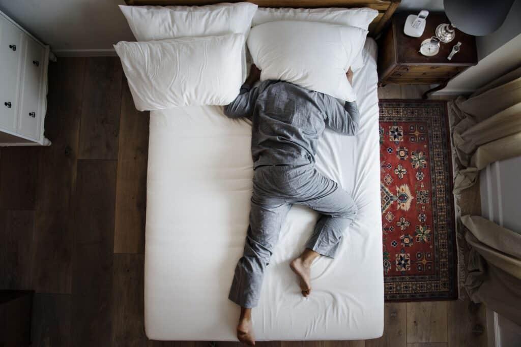 almohada colchón y buen descanso