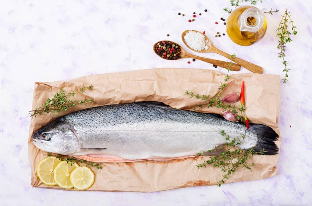 salmón entero