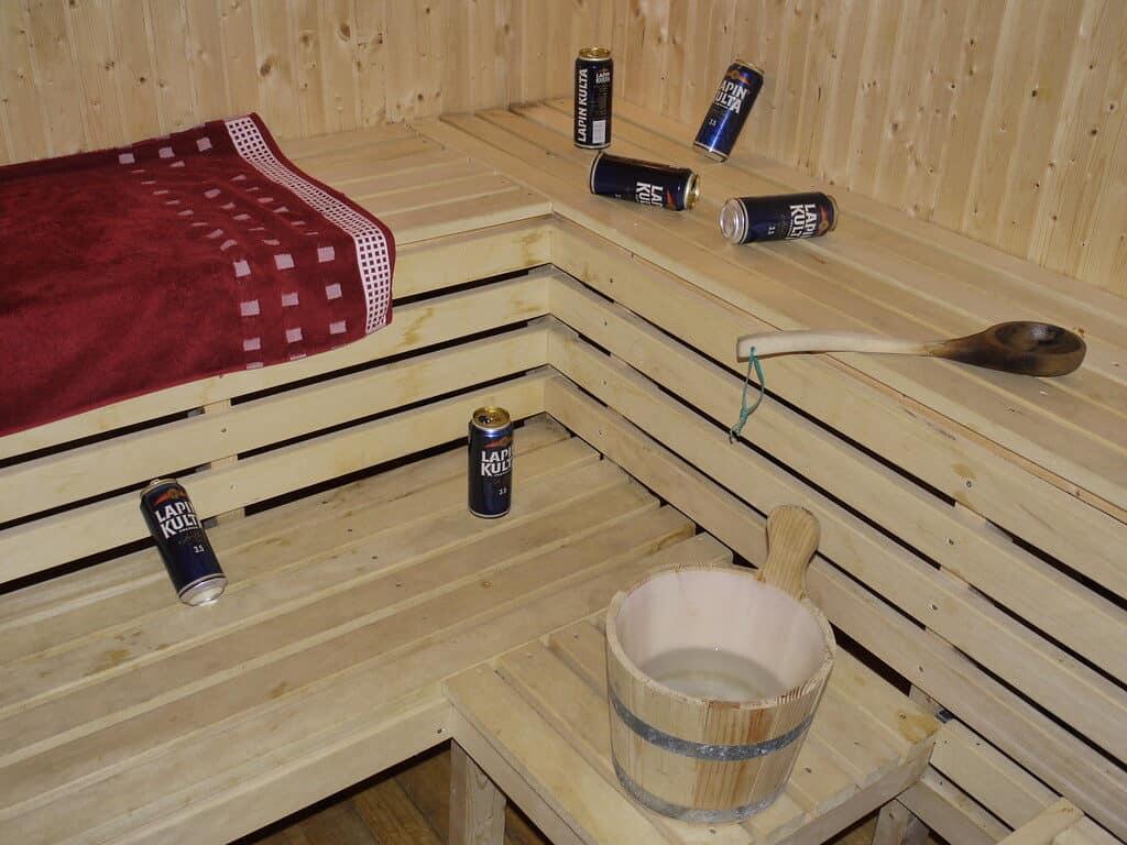 El sauna luego de su uso, especialmente si ha sido una fiesta con cerveza entre varios amigos