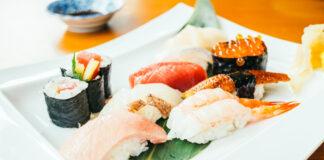 cómo se come el sushi
